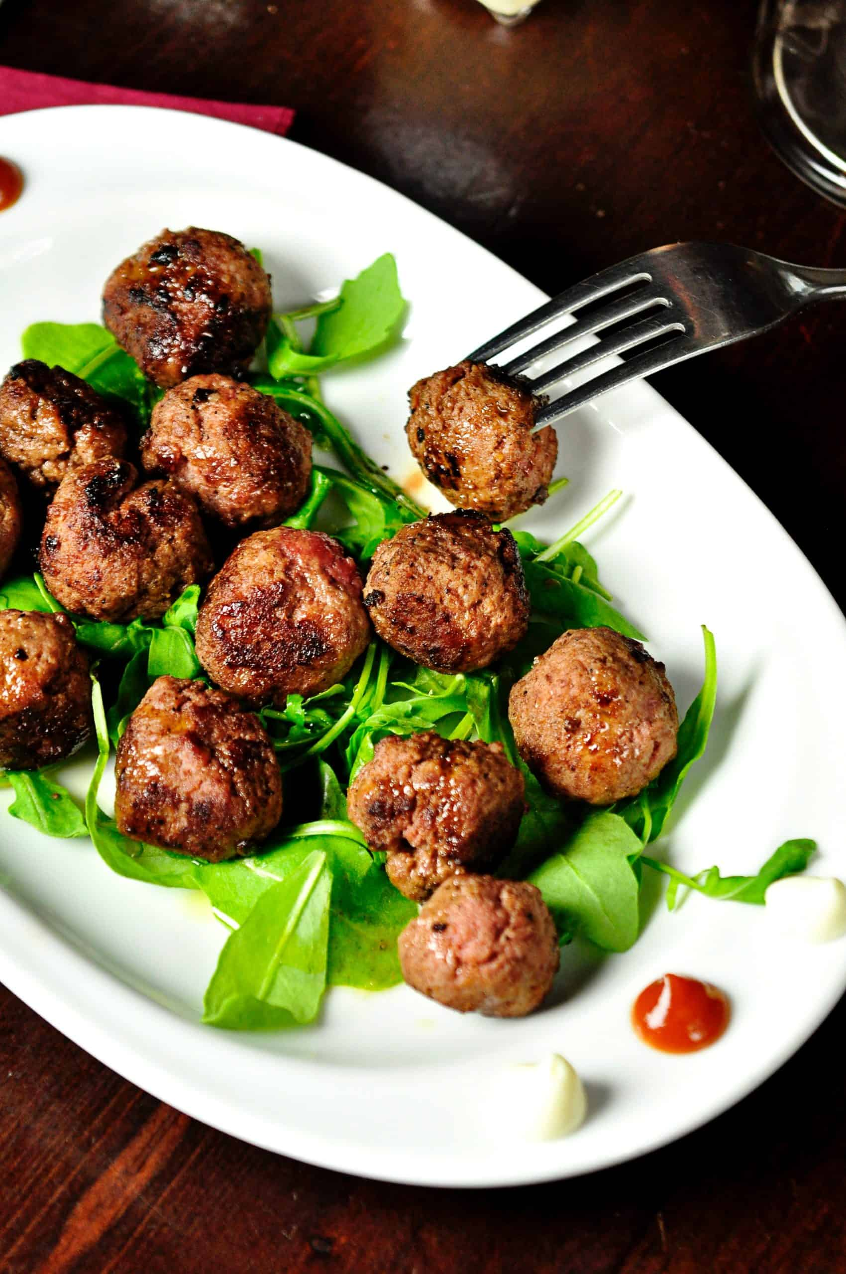 How To Make Meatballs: The Easiest, Simplest Method.